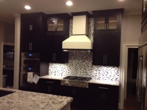 CONTEMPORARY KITCHENS - BLACK AND WHITE INSET SHAKER KITCHEN1
