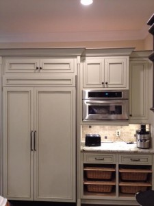 CREME BASE WITH TWO TONE GLAZE INSET KITCHEN 3